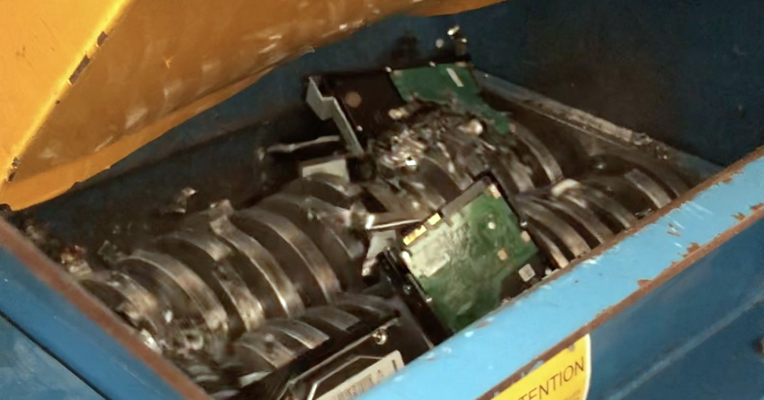 Destruction physique de disques durs par broyage